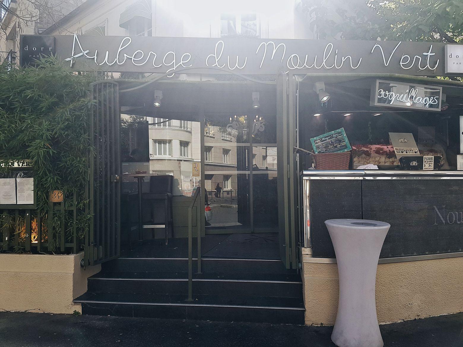 Golden Connexion : l'Auberge du Moulin Vert